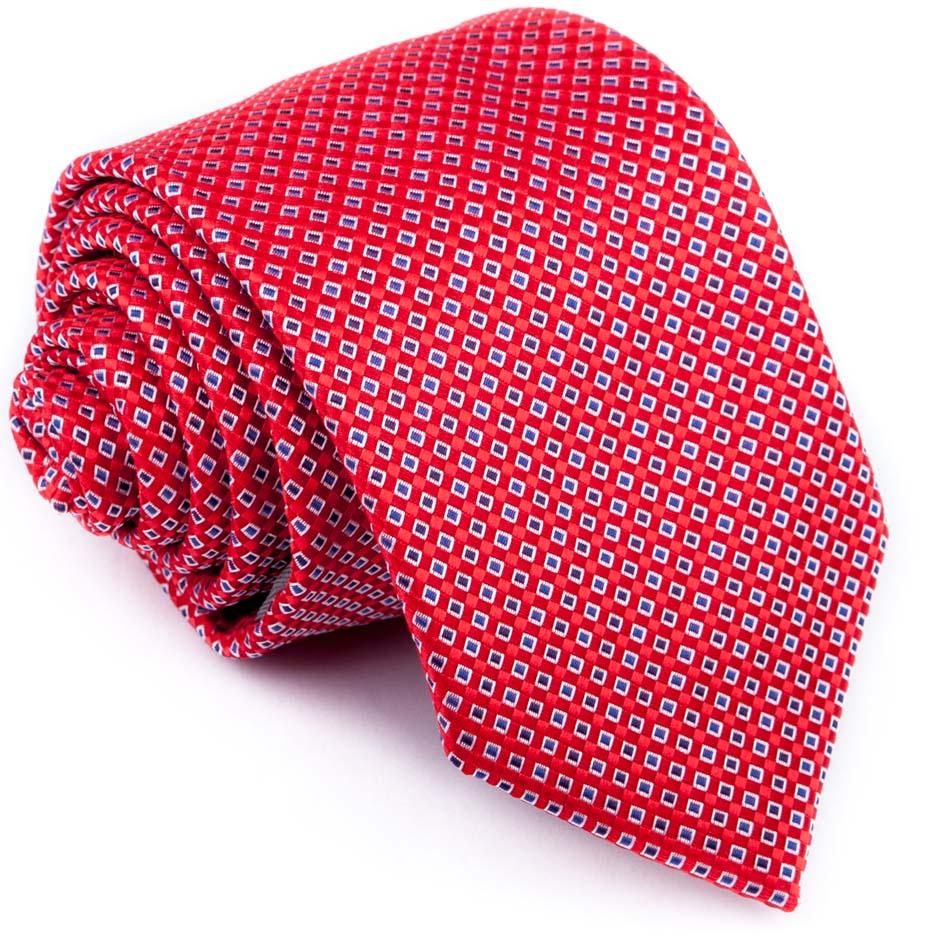 červená kravata puntíkovaná