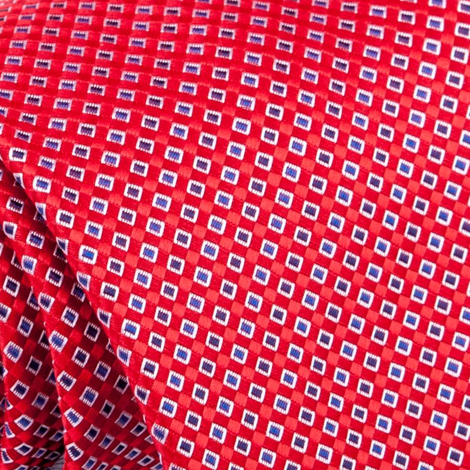 červená kravata stylová