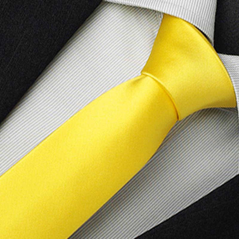 žlutá kravata luxusní
