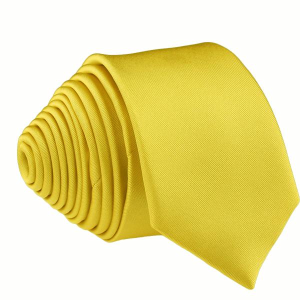 žlutá kravata stylová