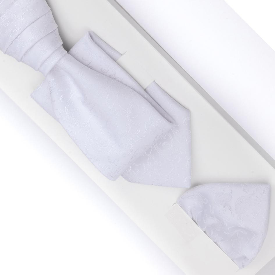 bílá kravata svatební