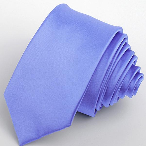 modrá kravata elegantní