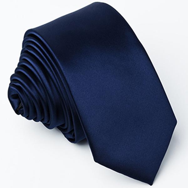 modrá kravata stylová