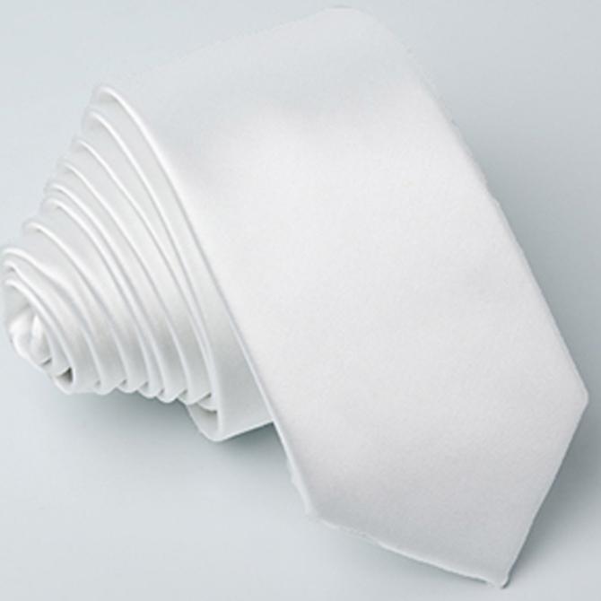 bílá kravata