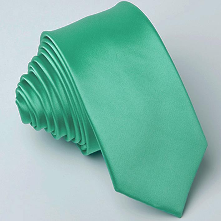 zelená kravata stylová